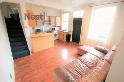 4 bedroom house share to rent - Hessle street, Hyde Park, Leeds, LS6 1EL SHORT TERM LET.