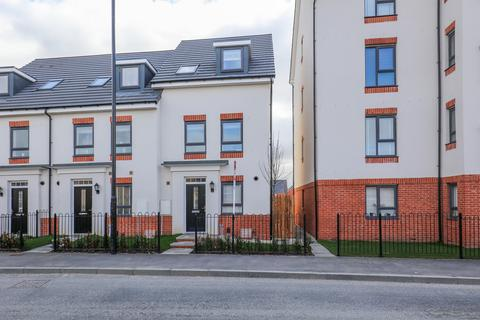 3 bedroom semi-detached house for sale - Highfield Lane, Waverley
