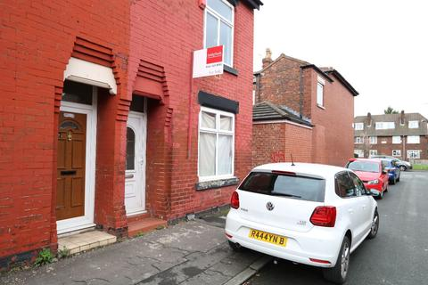 3 bedroom terraced house to rent - 2 Parkview Ave Manchester M14 4HL