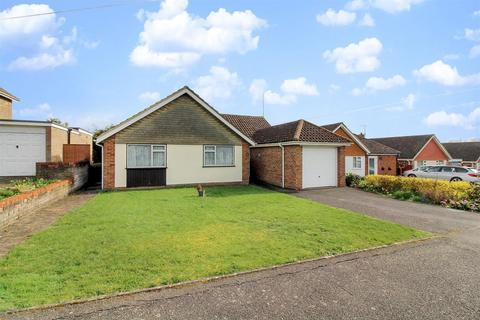3 bedroom bungalow for sale - Eleanor Gardens, Aylesbury