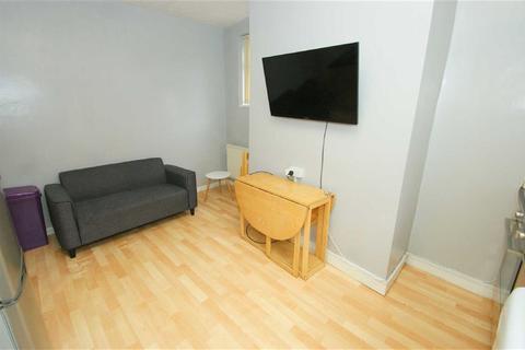 2 bedroom terraced house to rent - Kelsall Road, LS6