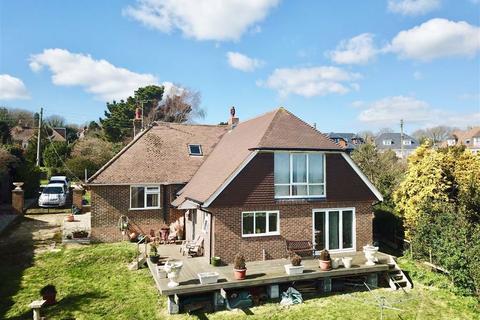 3 bedroom detached bungalow for sale - The Close, Fairlight