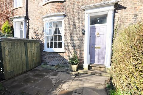3 bedroom terraced house to rent - Tower Place, York
