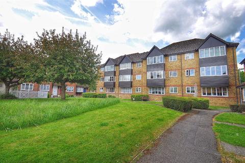 2 bedroom flat for sale - River Meads, Stanstead Abbotts, Hertfordshire, SG12