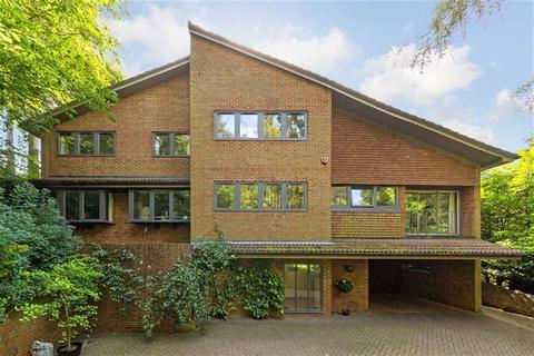 5 bedroom detached house for sale - New Road, Digswell, Welwyn