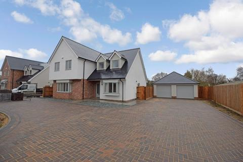 4 bedroom detached house for sale - Thorpe Road, Weeley, Clacton-on-Sea, CO16 9JL