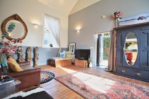 2 bedroom detached house for sale - The Street, Dennington, Woodbridge  IP13 8JF