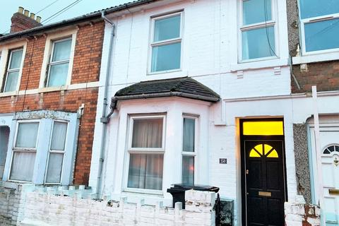 3 bedroom terraced house - Beatrice Street, Gorse Hill