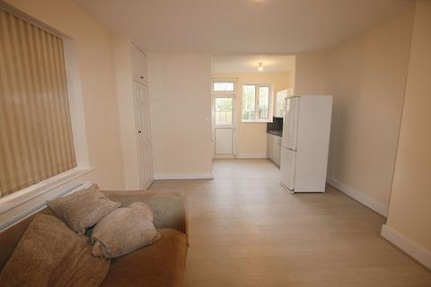 2 bedroom ground floor flat to rent - Temple Road, London
