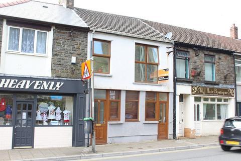 3 bedroom flat for sale - Llewellyn Street - Pentre