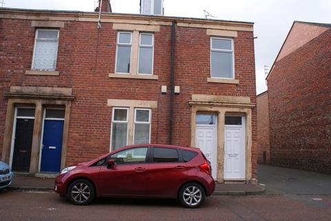 2 bedroom flat to rent - Ripon Street, Bensham, Gateshead, Tyne & Wear NE8
