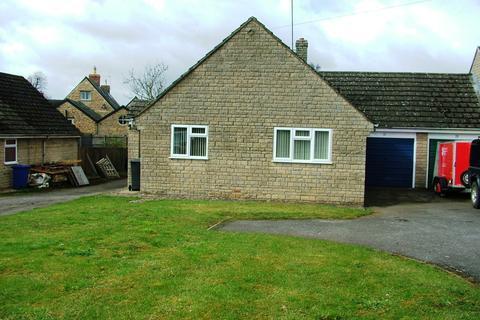 3 bedroom semi-detached bungalow to rent - 11 Brackley Road
