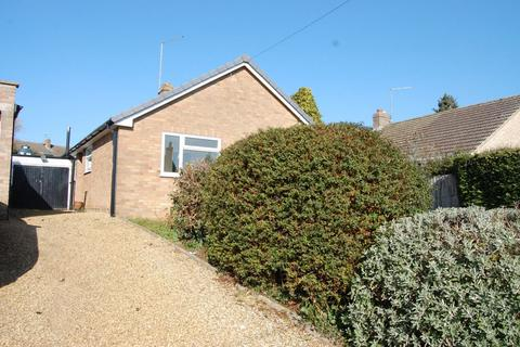 2 bedroom detached bungalow for sale - High Street, Ravensthorpe, Northampton NN6 8EH