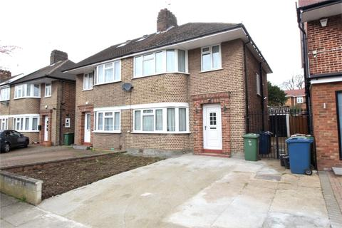 3 bedroom semi-detached house to rent - Wychwood Close, Edgware, HA8