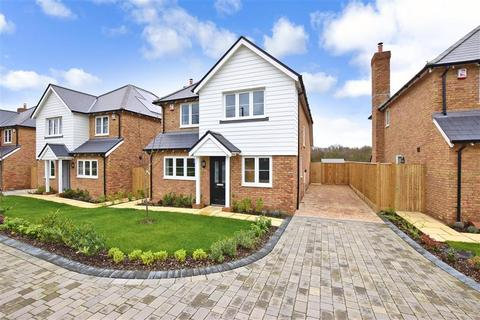 3 bedroom detached house for sale - Half Way Paddock, Faversham Road, Challock, Ashford, Kent