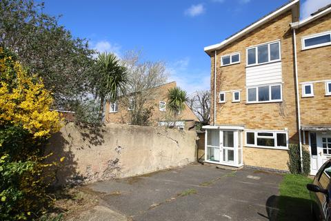 3 bedroom townhouse for sale - The Hollies, Stanford-Le-Hope