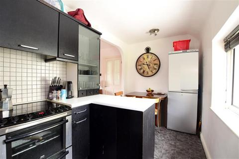 2 bedroom flat for sale - Manton Road, Brighton, East Sussex