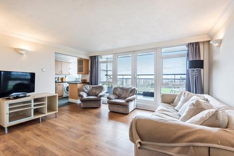 2 bedroom flat for sale - Master Gunner Place London SE18
