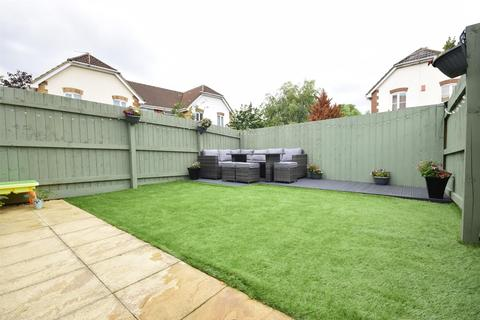 3 bedroom semi-detached house for sale - Newbury Chase, Downend, Bristol, BS16 6FF