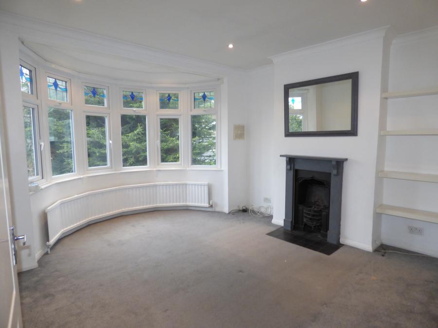 3 Bedroom First Floor Flat for Rent