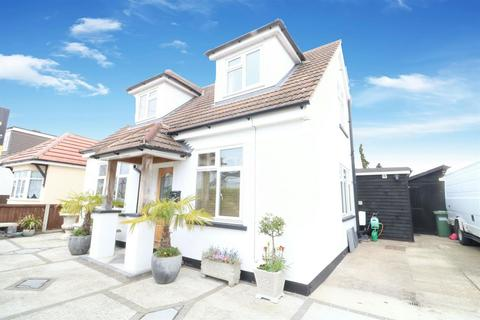 4 bedroom detached house for sale - North Crescent, Southend on Sea