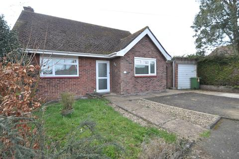 2 bedroom detached bungalow to rent - Earls Close, Halesworth