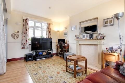 2 bedroom semi-detached house for sale - Lyne Crescent, Walthamstow, London