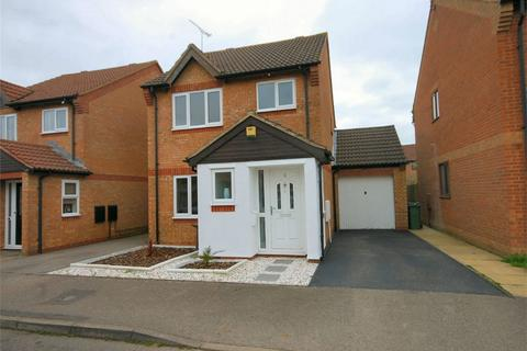 3 bedroom detached house for sale - Sheridan Close, Aylesbury, Buckinghamshire