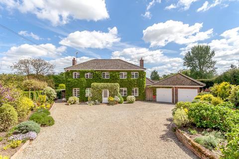 4 bedroom detached house for sale - Monk Sherborne, Basingstoke, RG26