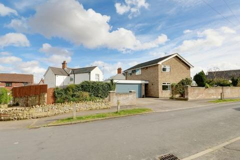 4 bedroom detached house for sale - Victoria Avenue, Willerby