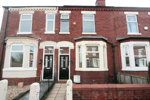 2 bedroom terraced house to rent - Meadows Road, Sale