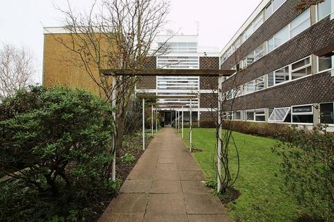 3 bedroom flat to rent - Somerhill Road, Hove