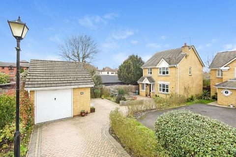3 bedroom detached house for sale - Claremont Close, Orpington, Kent, BR6 7AD