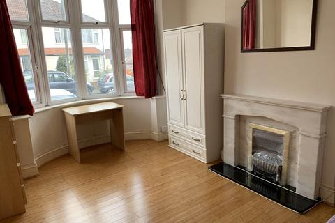 1 bedroom house share to rent - Keys Avenue, Horfield, Bristol