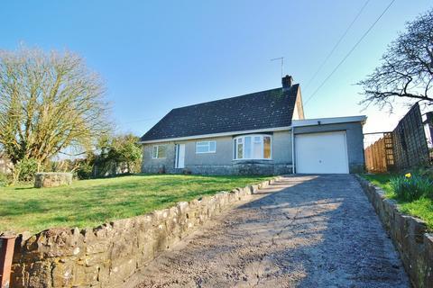 4 bedroom detached bungalow for sale - Moulton, Near Llancarfan, Vale of Glamorgan, CF62 3AB