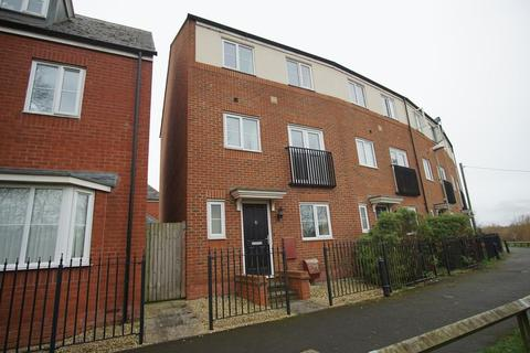 4 bedroom house to rent - Old Spot Walk, St Oswalds, Gloucester