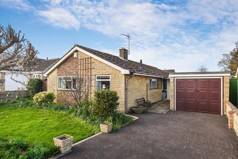 3 bedroom detached bungalow for sale - Kennedy Road, Bicester