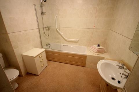 2 bedroom retirement property to rent - Daffodil Court, Newent