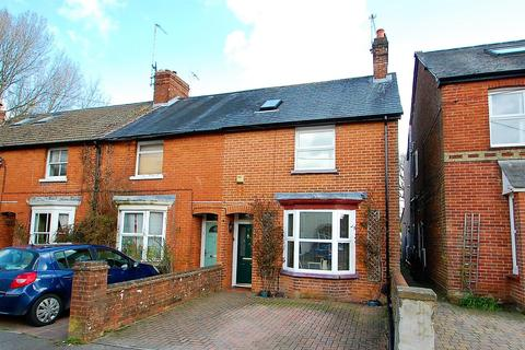 3 bedroom end of terrace house for sale - Rushes Road, Petersfield