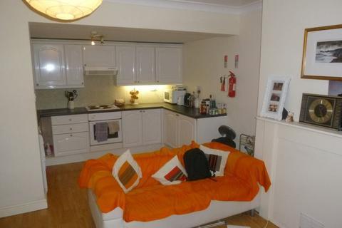 2 bedroom flat to rent - Cromwell Rd - Garden Flat, Bristol