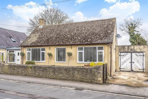 3 bedroom detached bungalow for sale - Witney Road, Ducklington, Witney