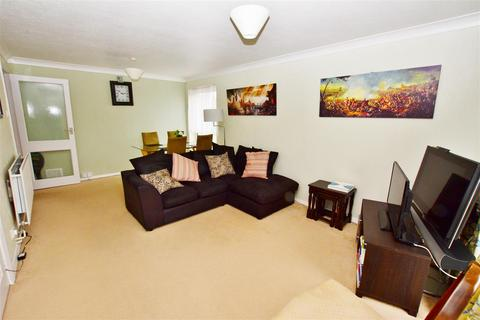 2 bedroom flat for sale - Swanborough Drive