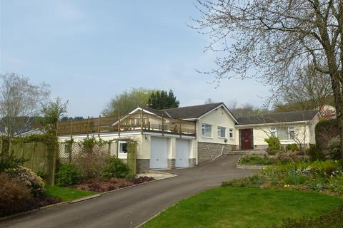 4 bedroom detached bungalow to rent - Court House Road, Llanvair Discoed, Chepstow