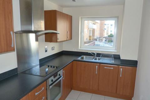 2 bedroom flat to rent - Calais House, Century Wharf, Cardiff Bay