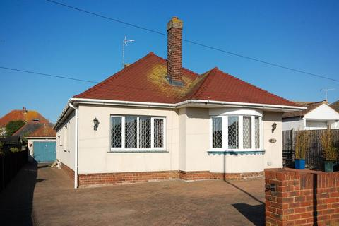 3 bedroom detached bungalow for sale - Coventry Gardens, Beltinge, Herne Bay