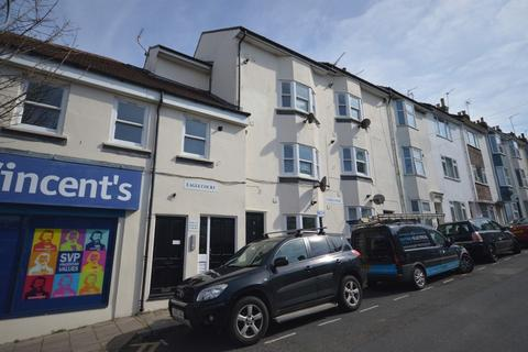 3 bedroom apartment to rent - Eagle Court, Lewes road Brighton