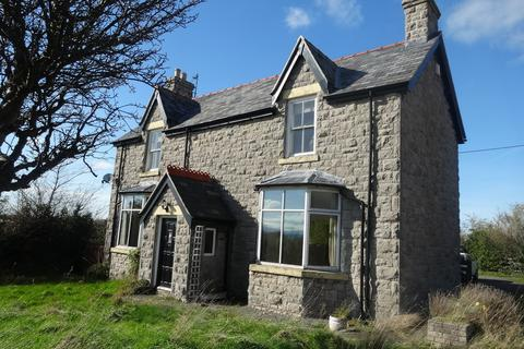 4 bedroom farm house to rent - Waterfall Road, Dyserth