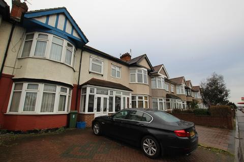 3 bedroom terraced house for sale - Eastern Avenue, Ilford, IG4