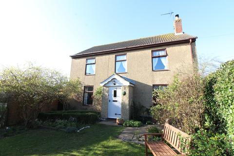 4 bedroom detached house for sale - Private Road, Ormesby