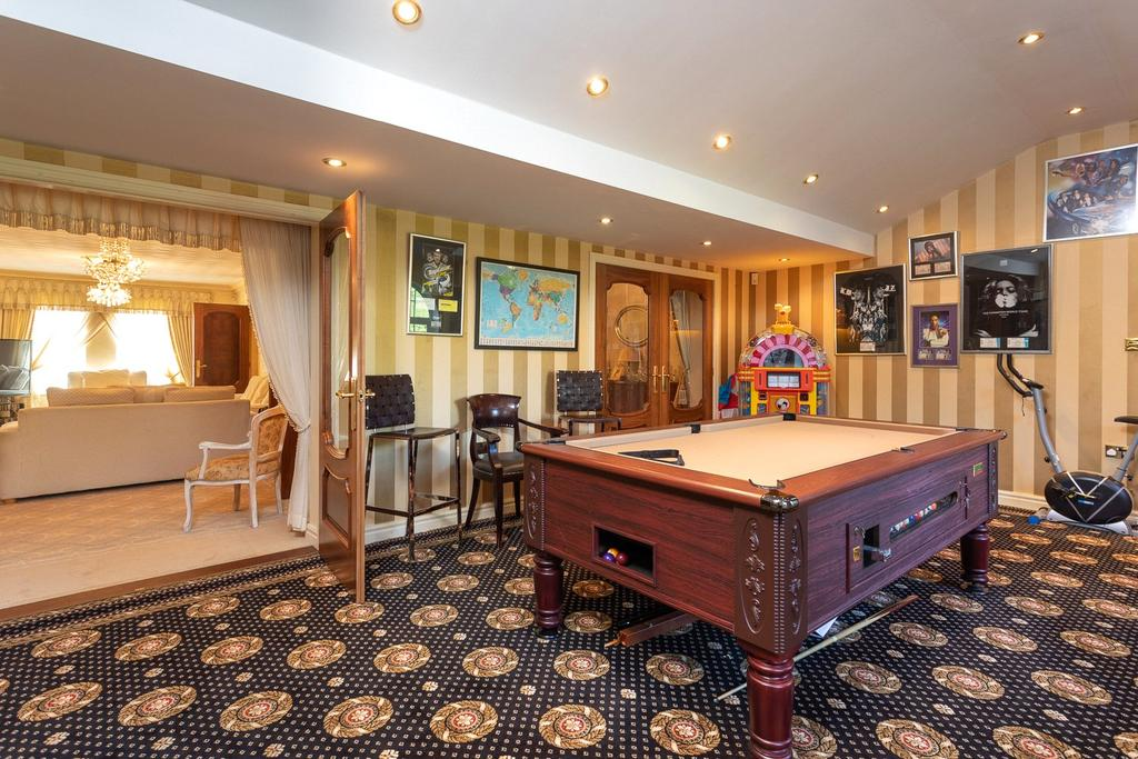 Party/Games Room